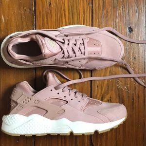 Nike Air Huarache Women's Blush pink sneaker